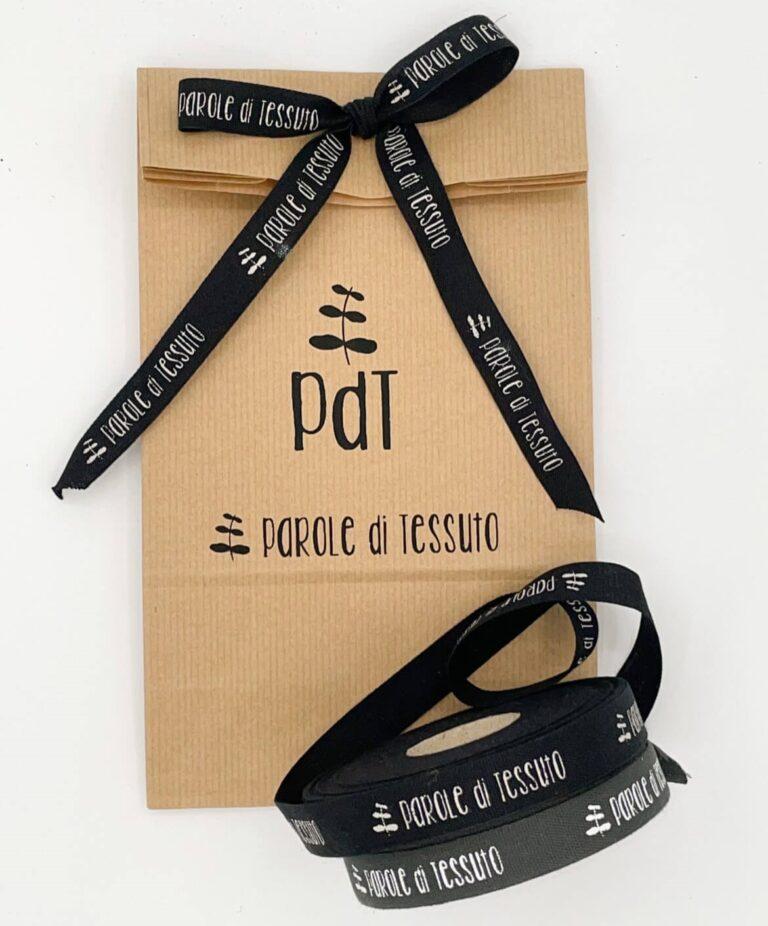 sacchetto di carta personalizzato con logo stampato