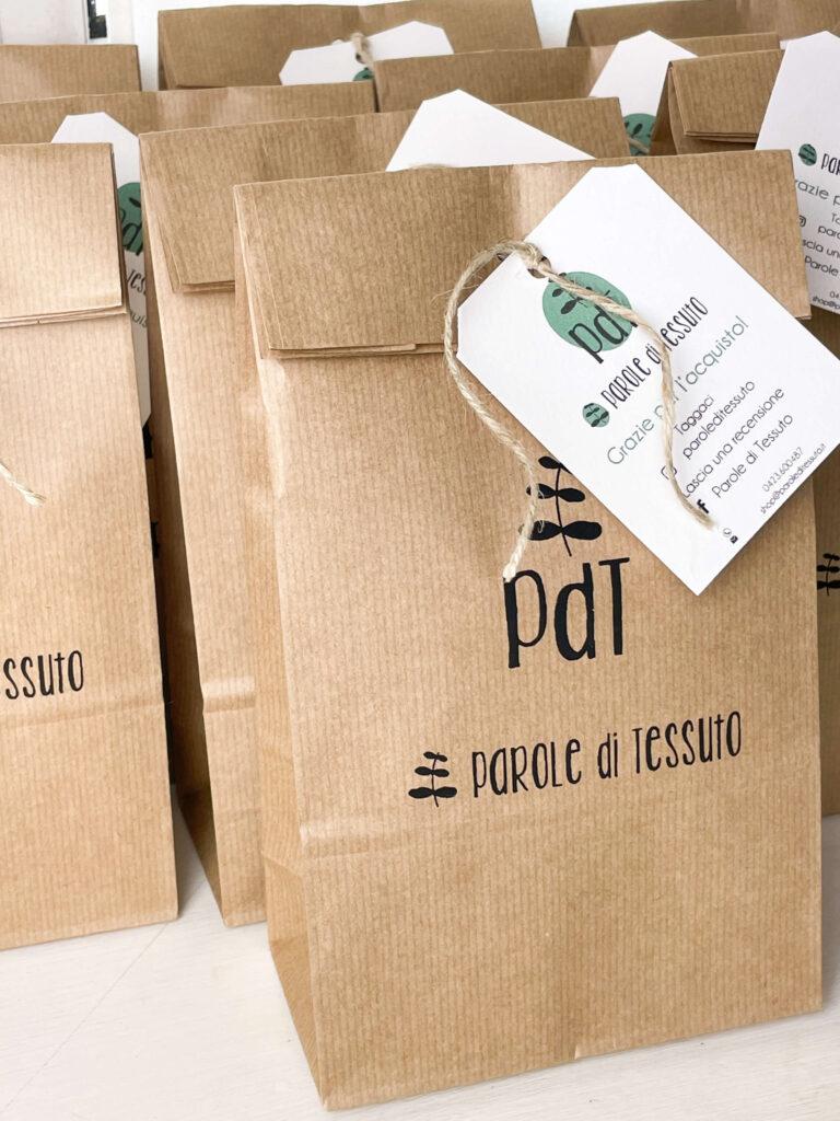 sacchetto di carta personalizzato con logo